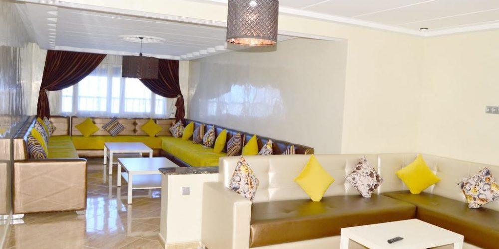 The happy lounge 15